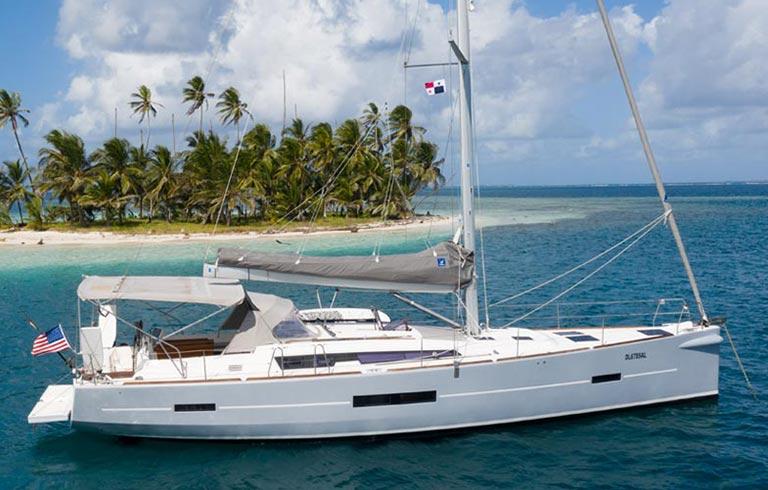 Luxury Sailing Yacht Charter In San Blas