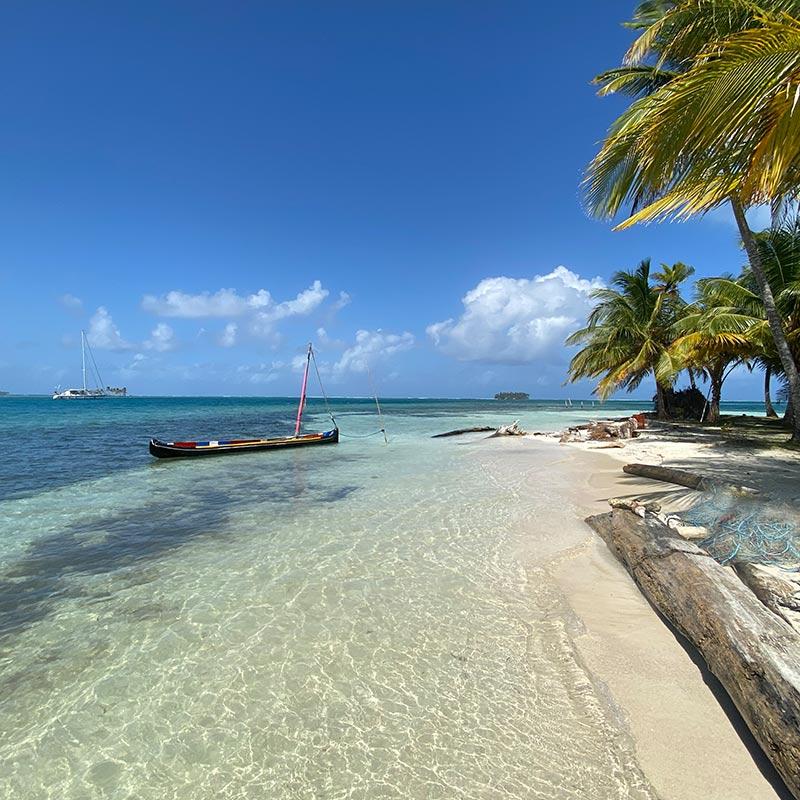 San Blas Beach Shaula Luxury Charter in San Blas Islands